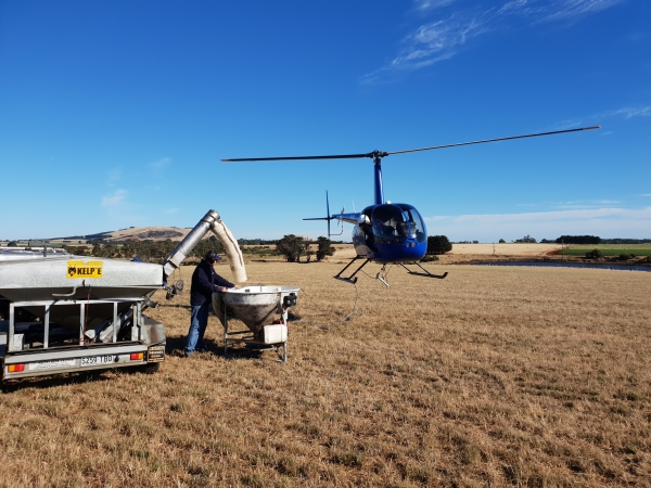 county-helicopters-Fertiliser5