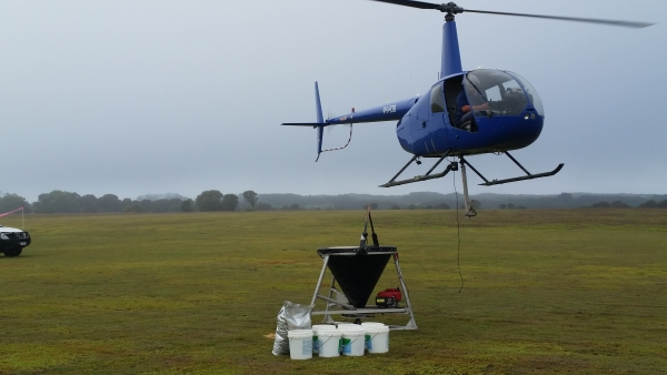county-helicopters-Fertiliser8